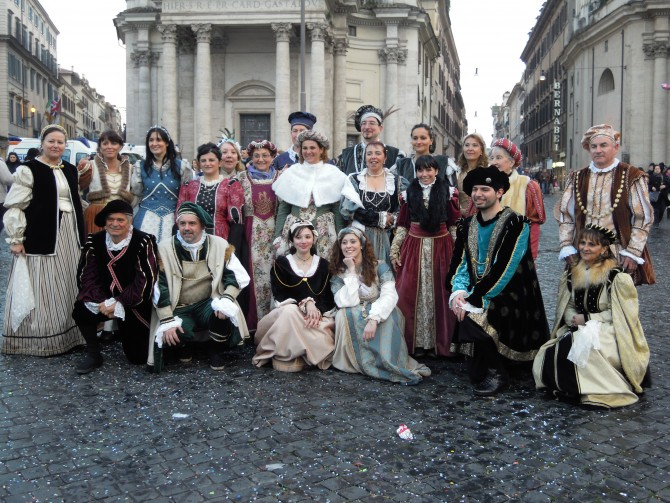 BAROQUE FIREWOKS AND PARADES AT ROMAN CARNIVAL