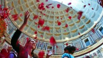 RED PETALS RAIN IN THE PANTHEON!