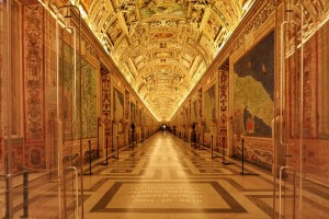 vatican-museums-friday-night-maps-empty